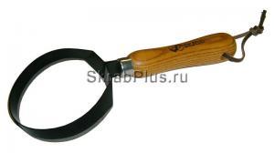 Тяпка - плоскорез кольцевидная 250 мм из стали HCS с деревянным черенком SKRAB 28403 купить оптом в СПб