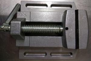 """оригинальное изображение тисков станочных 65 мм 2,5"""" мини SKRAB 25504"""